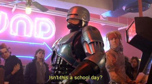 Non dovreste essere a scuola?