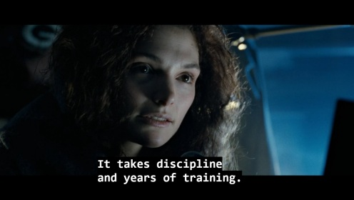Una battuta del film The Abyss, sottotitolata in inglese: it takes discipline and years of training