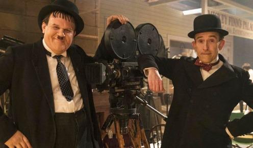 Immagine dal film Stan and Ollie (2018), Stanlio e Ollio in posa